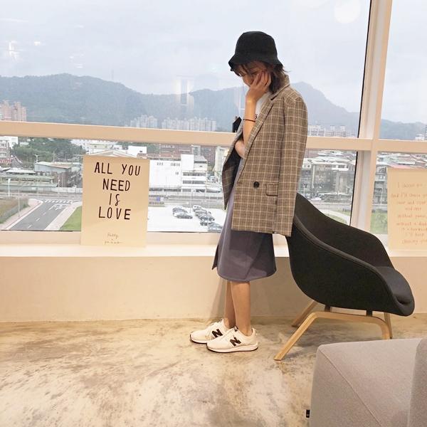 質感簡約雙釦格紋外套 +  韓國針織漁夫帽