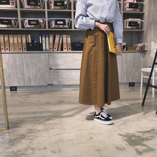 PAZZO荷葉袖口排釦襯衫-率性打摺口袋寬裙 (5).jpg