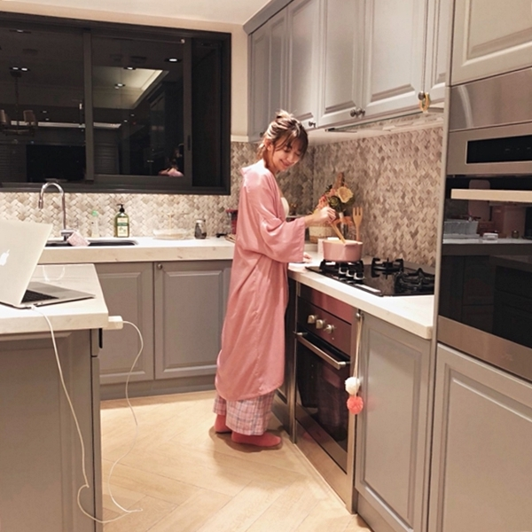 1_PAZZO_法式慵懶寬袖長版睡袍_甜蜜少女格紋緞帶家居長褲 (27).jpg