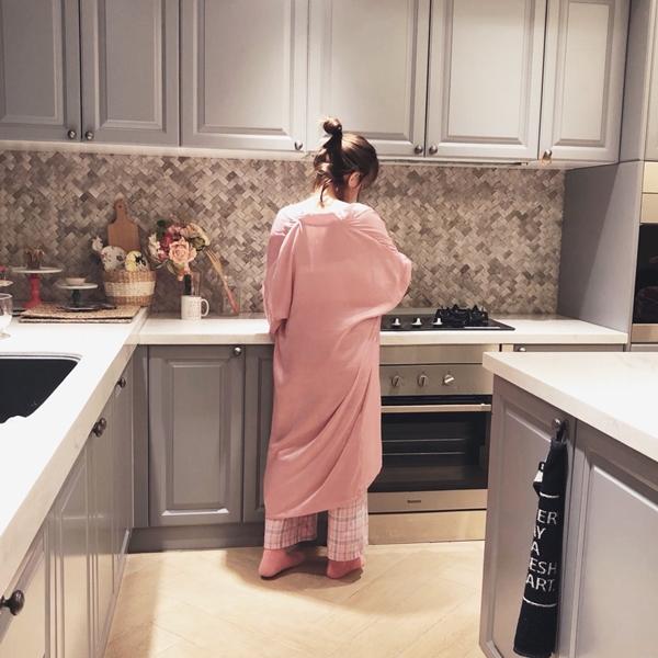 1_PAZZO_法式慵懶寬袖長版睡袍_甜蜜少女格紋緞帶家居長褲 (22).jpg
