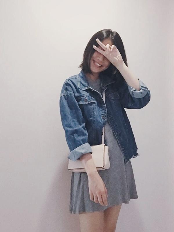 自從到台灣唸大學開始Pazzo一直都是我的最愛直到現在 <3 不管是暑假還是寒假回家也會給家裡的媽媽帶上幾件XD(所以說是媽媽也能穿的衣服呀!)每星期一都在期待新品然後上課的時候就可以和同學一起揪團買 ~ 嘻嘻 照片裡是最近最愛的丹寧外套 它真的超級百搭 穿起來也超級好看!!(我媽問我怎麼老穿這件 當然是因為好看呀!) 我174 一般都穿M 但外套都愛買最大的那一號 除非沒貨~哈 和閨蜜一起入了BK101 然後也買了amineme系列的腮紅!!朋友都說顏色好好看也很顯氣色 !好開心也好喜歡PAZZO讓我們每個女孩都能美美的! <3 _Cherlane Xin