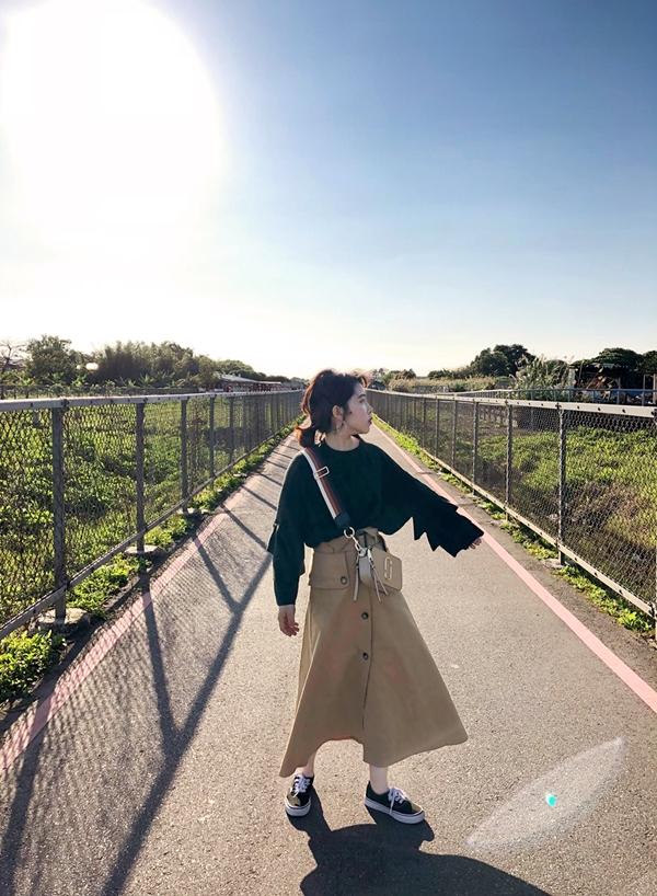 荷葉澎彭袖磨毛上衣 (1).jpg