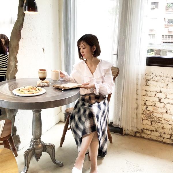 格紋綁帶傘狀長裙 (1).JPG