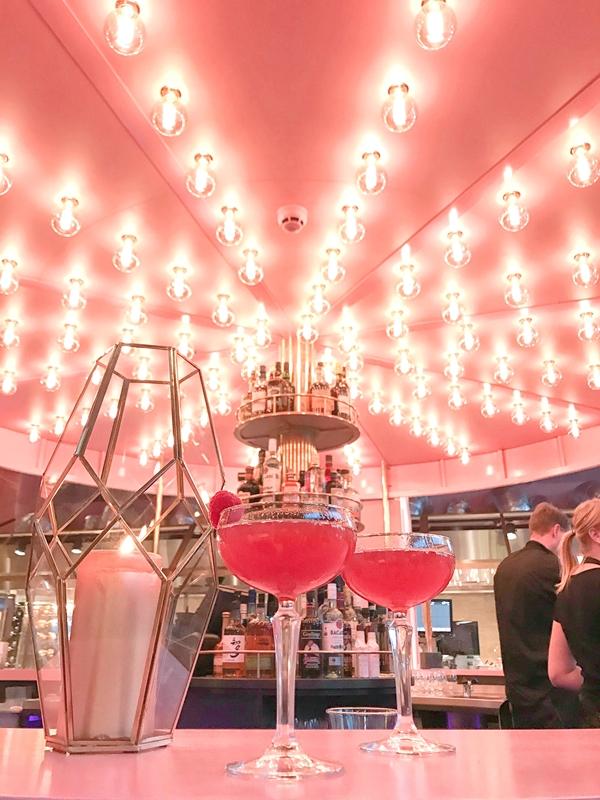 mamakelly荷蘭粉紅色餐廳 (11).jpg