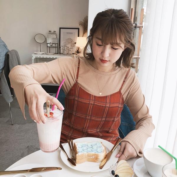 簡約優雅珍珠圓片雙層項鍊   +  慵懶微透肌寬袖上衣 + 微甜氛格紋雪紡洋裝