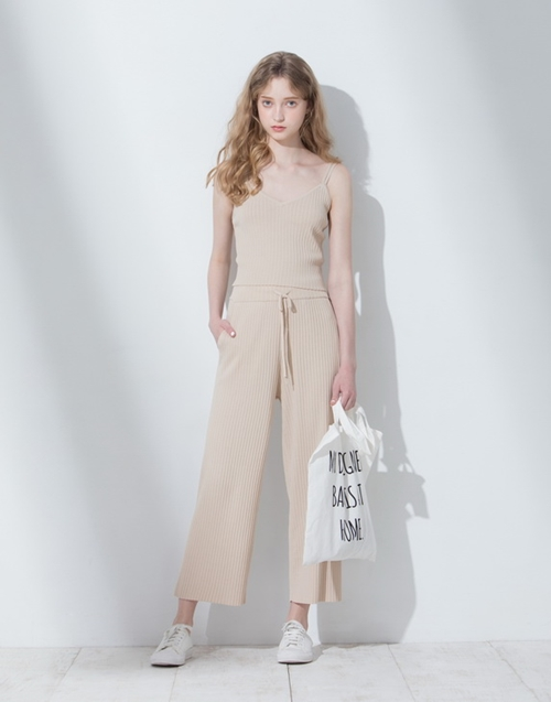 pazzo look/ 俐落感坑條針織二件式套裝(背心+長褲)