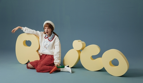 RICO 莉可兔 慵懶日常寬鬆大學T