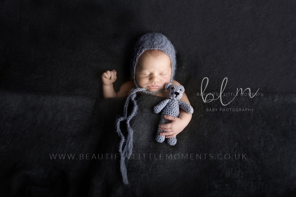 Hypnobirthing photography newborn baby antenatal postnatal taking photos