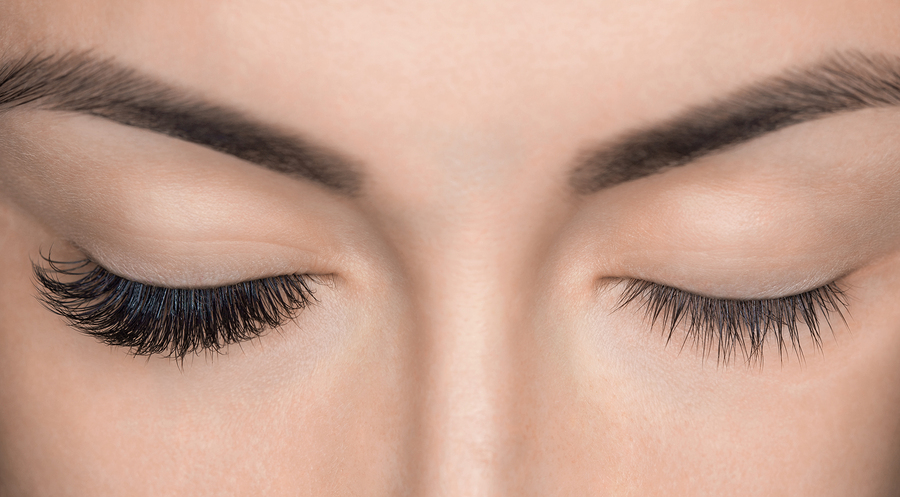 bigstock-Eyelash-Removal-Procedure-Clos-201575644.jpg