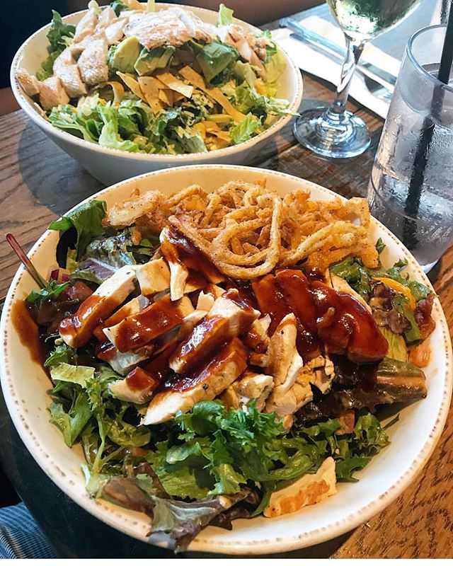 Start your Monday off right with one of our delicious salads. 🥗 @foodologyla 📸