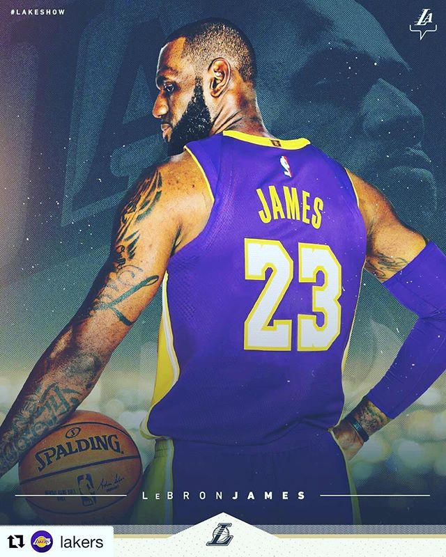 #Repost @lakers ・・・ The King has arrived 👑  #LakeShow + @kingjames