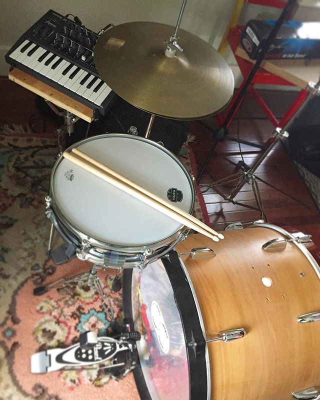 New developments.... . . . . . #drums #synth #microbrute #acousticedm #vintagedrums #zildjian #mapex #pearl #bass #indiefolk #musicduo #freshrug