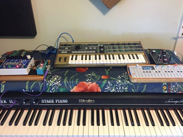 The beginning of our kids album . . . . . . #fenderrhodes #rhodes #microkorg #op1 #ehx #recording #studio #musicband