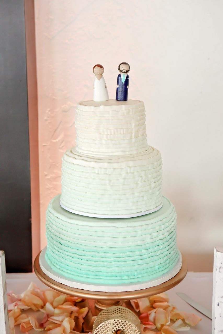 Wedding cakes vg donut bakery wc338 junglespirit Gallery