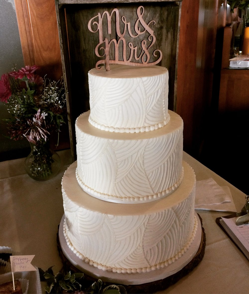Wedding cakes vg donut bakery wc387 junglespirit Choice Image