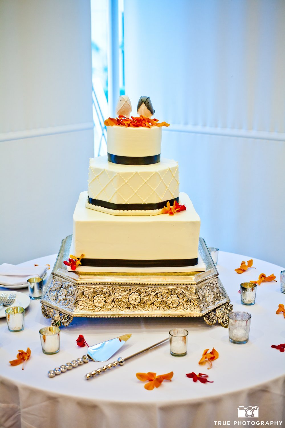 Wedding Cakes — VG Donut & Bakery