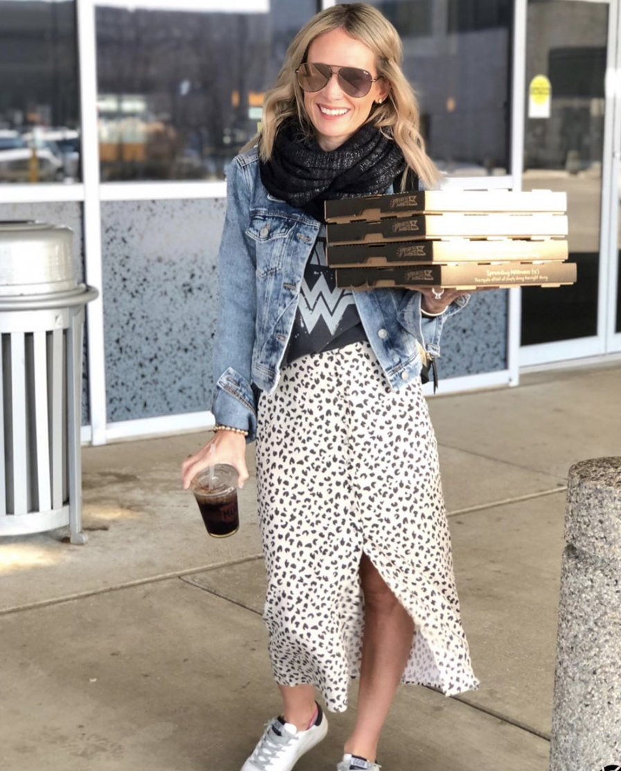 Covet On The Go—Katie Redmond    Katie has THE best taste in clothes. You will seriously love every one of her outfit recommendations. She's a mom of three girls who lives in the Detroit area. We are actual friends through my former network marketing company. I love that she's living out the real #influencerlife by getting brand partnerships and invitations to #NYFW.