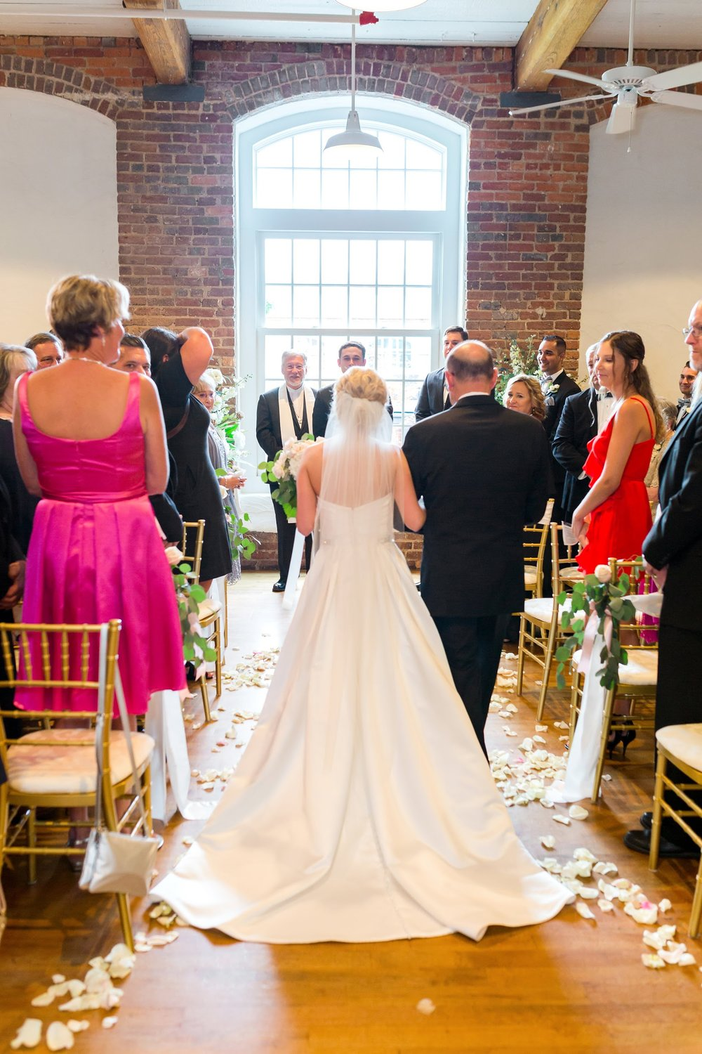 Greensboro_nc_wedding_photographer_Jodi_gray_colonnade-101.jpg