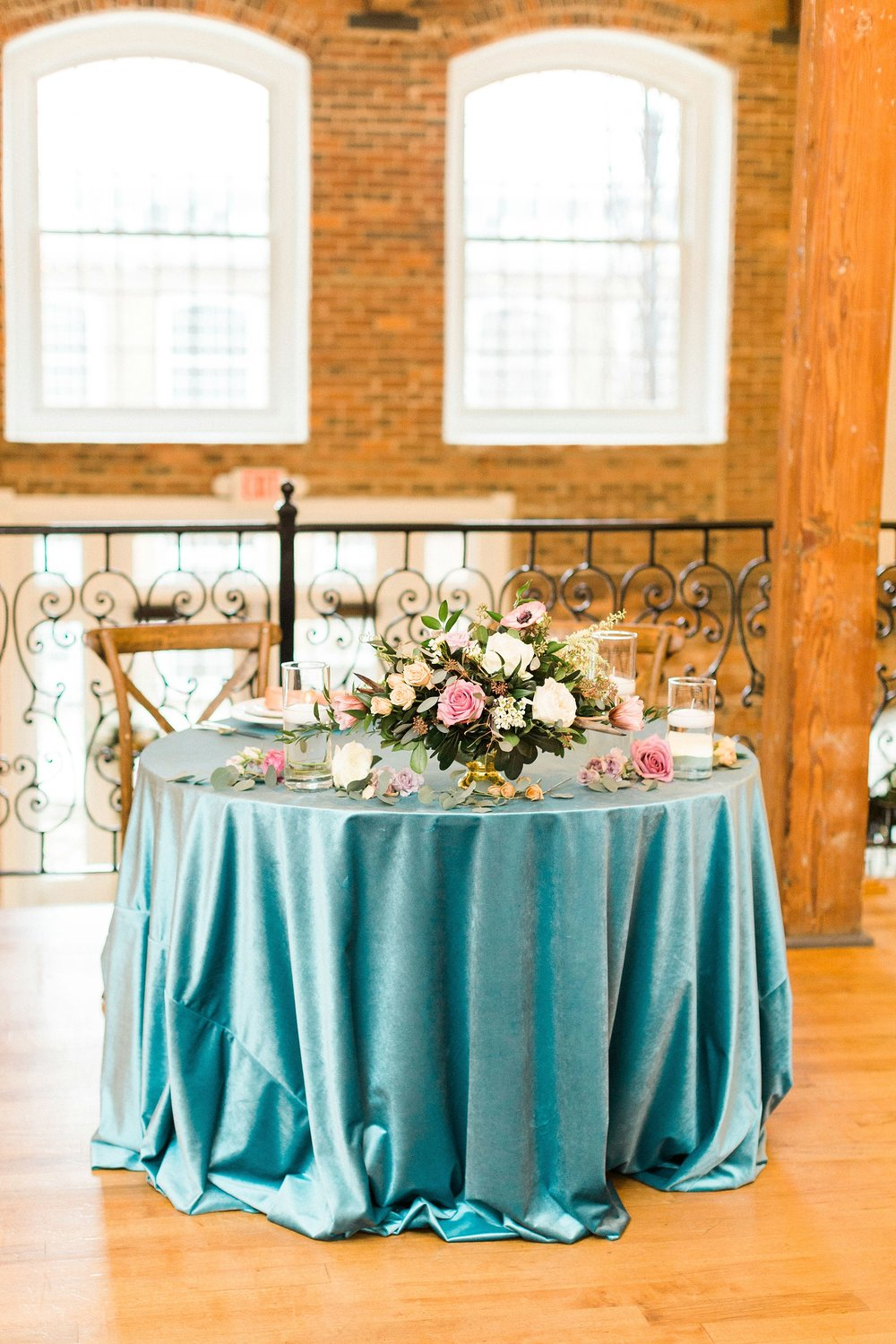 Photo by Annie Timmons Photography, Flowers by Tre Bella, Rentals by Party Reflections