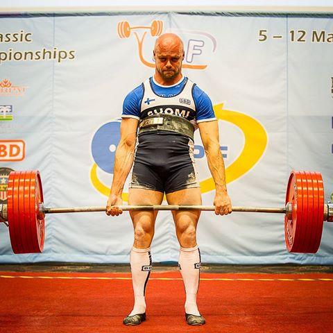 623 pound deadlift at 163 pounds -