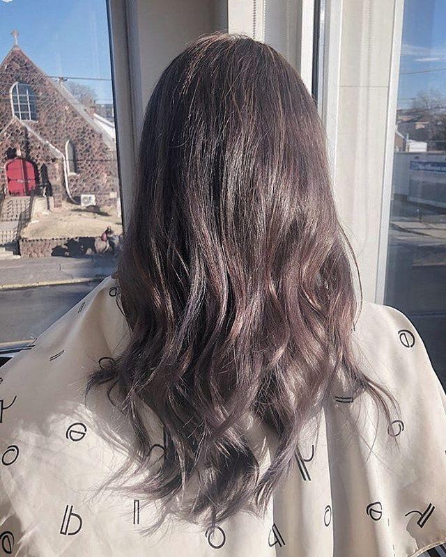 "What a beautiful Color!! Ash Purple Brown Color w/ Wave Perm & Baby Blondle Highlights purposely dyed more purple so it to fade into another color!? Great job Aaliyah and Special Thanks to our Client❤  #nofilter #ashpurplebrown #ashbrown #ashpurple #perm #hair #haircolor #highlights #blondehighlights #babyhighlights #art ""머리가 너무 예뻐요~"" 애쉬 보라-브라운 염색, 웨이브 펌, 베이비 하이라이트  고객님 과 알리야 선생님 에게  수고의 말씀을 전해 드리고싶습니다~ 수고하셨습니다! 💕 #애쉬브라운 #애쉬퍼플 #애쉬퍼플브라운 #염색 #헤어 #파마 #웨이브파마 #하이라이트 #베이비하이라이트 #미술"