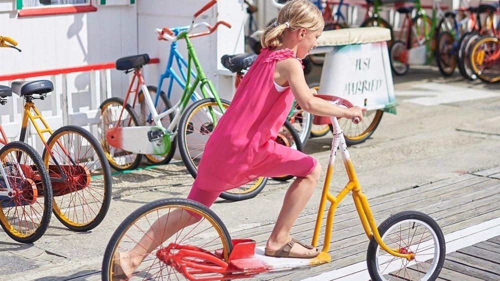Fahrrad und Spazieren -