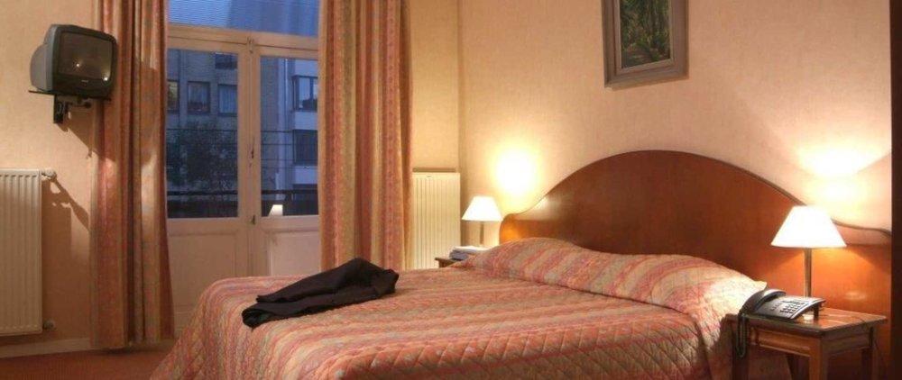 Langestraat 91 +32 50411207 malecot@vakantiehotels.be