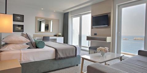 Posebne ponude - Hotel Neptun - Odmaknite se od užurbane svakodnevnice i prepustite se ugođaju jednog od najromantičnijih gradova u svijetu... Odaberite jedan od ponuđenih paketa: • Romantic Escape for 2 • Relax & Rejuvenate • Honeymoon Bliss