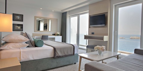Ofertas especiales de Hotel Neptun - Escapadas que ilusionan: • Romantic Escape for 2 • Honeymoon Bliss • Relax & Rejuvenate