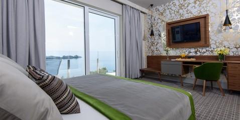 Ofertas especiales de Hotel Ariston - Varias maneras de disfrutar Dubrovnik: • Romantic Escape for 2 • Honeymoon Bliss • Relax & Rejuvenate • Travellers Package