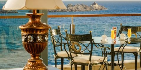 Ofertas especiales de Royal Princess Hotel - Aproveche un placer real en este lugar mágico: • Royal V.I.P. Package • Majestic Royal V.I.P. Package