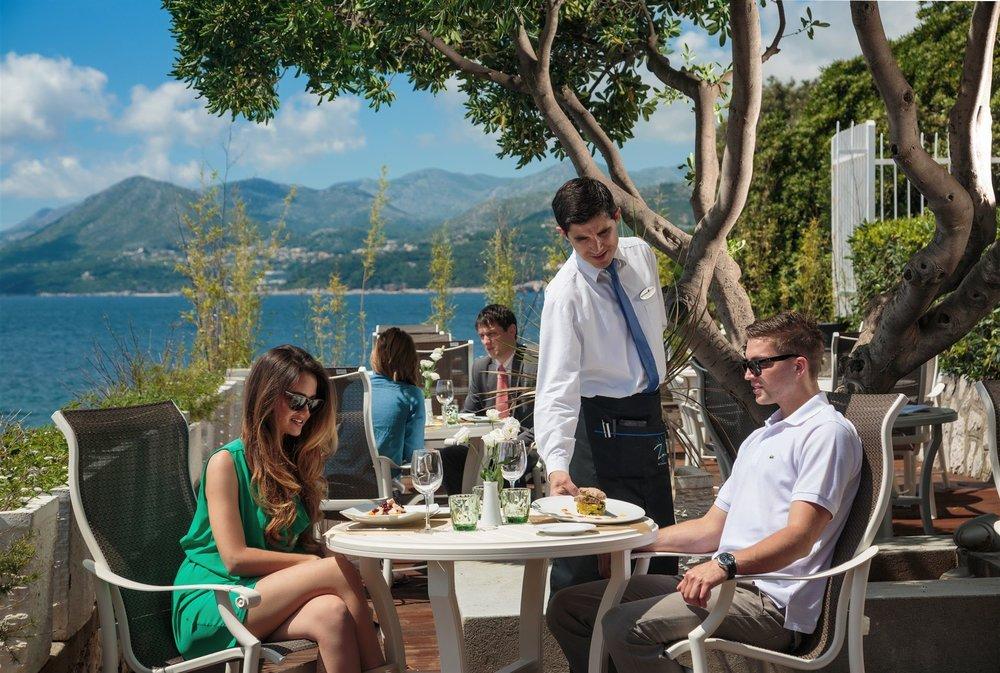 zoe-restaurant1.jpg