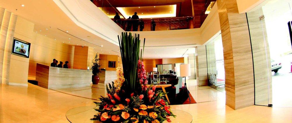 lobby-4.JPG.1920x810_0_1617_10305.jpeg