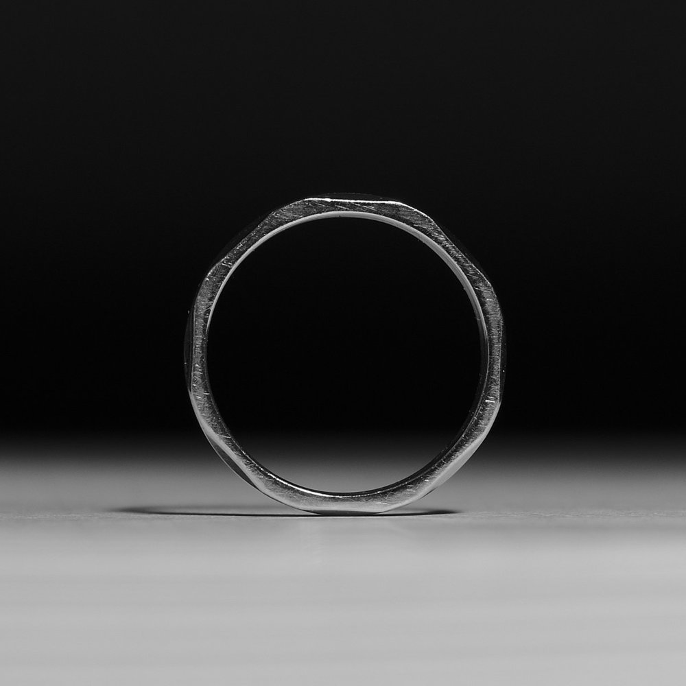 1200px-Steel_Iron_Ring.jpg