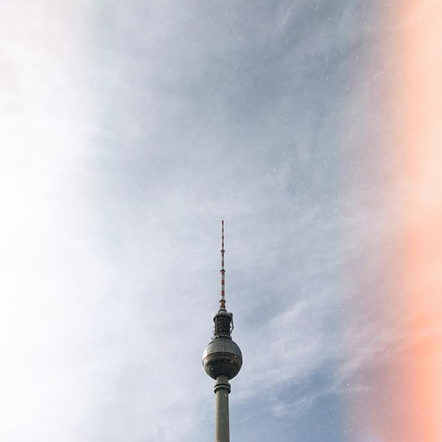 These are my last few weeks in London; from March, I will be working and living in Berlin. So far I've spent 2019 giving notice, saying goodbyes and arranging get togethers. Now my body is tired, and  my heart is starting to get heavy. Four more weeks.  #berlin #fernsehturm #fernsehturmberlin #movingon
