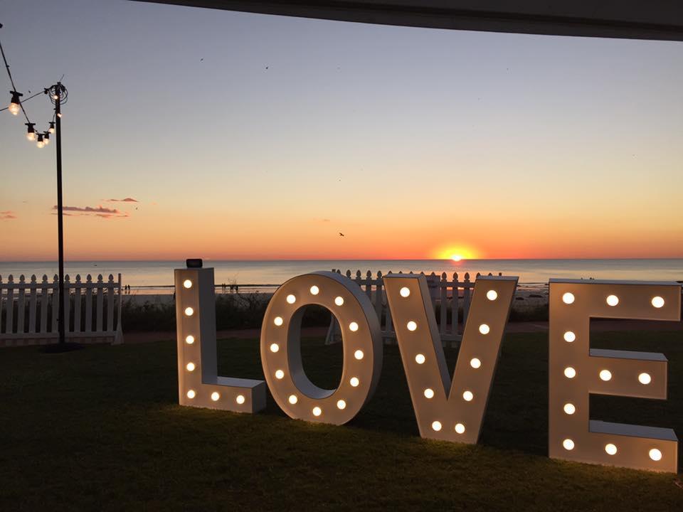 LoveSign1.jpg