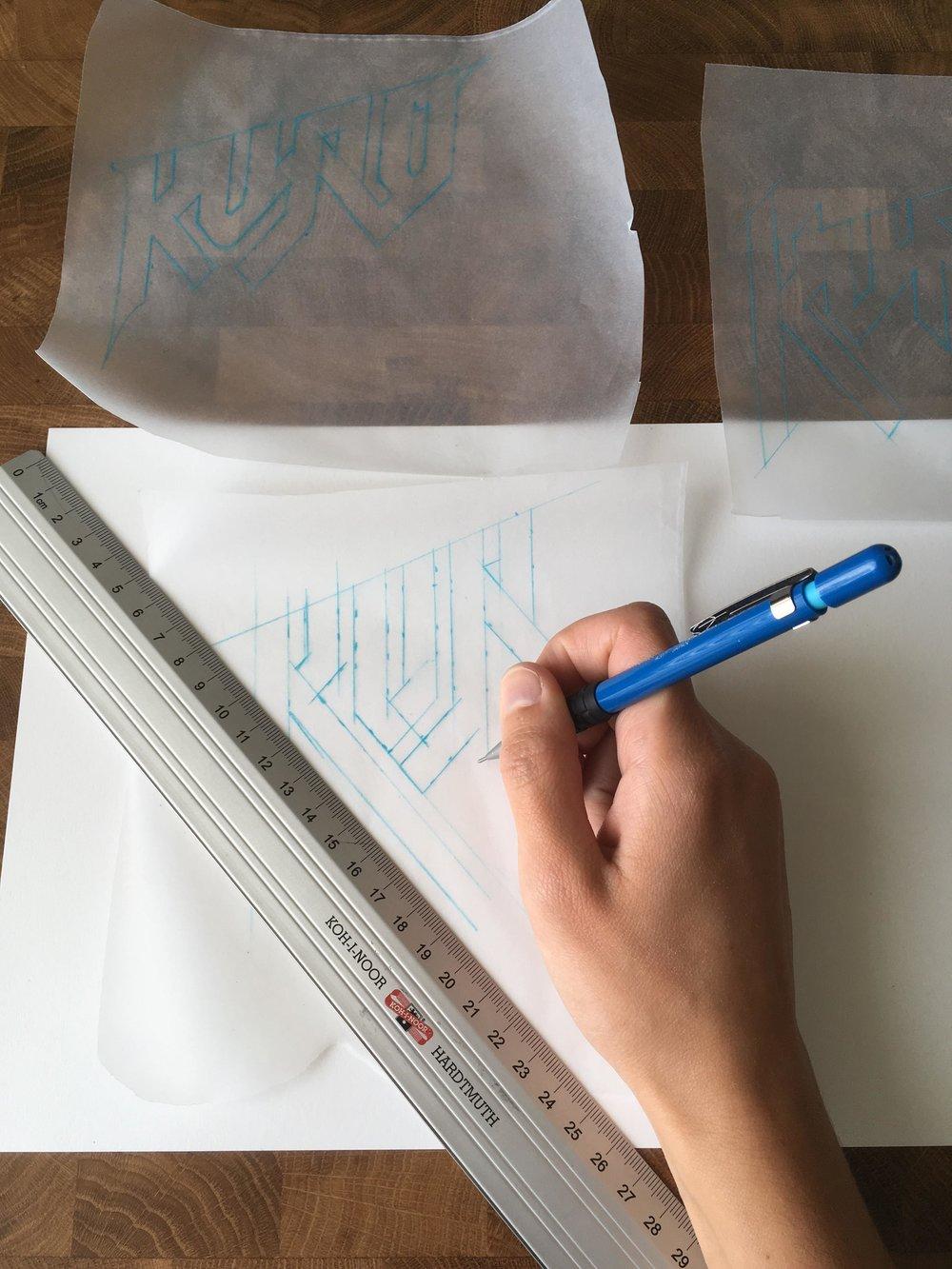 Kuro-logotype-process.jpg