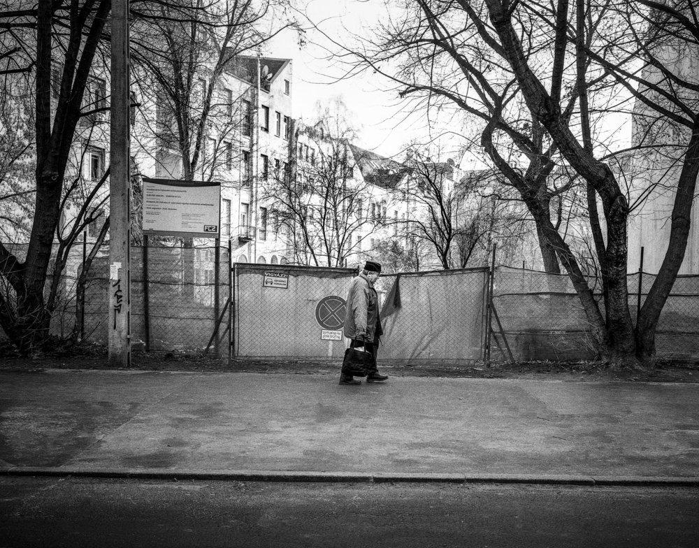 Profiles budapest - older man-SQ.jpg