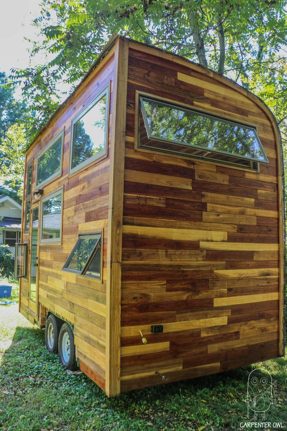 Snails Away: The Fiddlin' Snail Tiny Home - Western Face