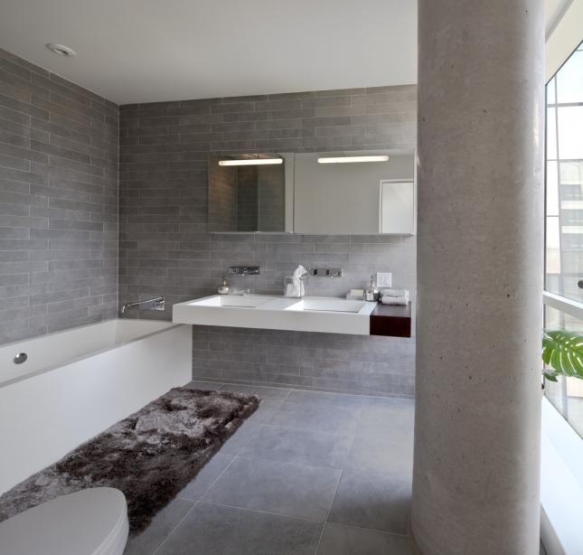 0504_-_bathroom1.jpg