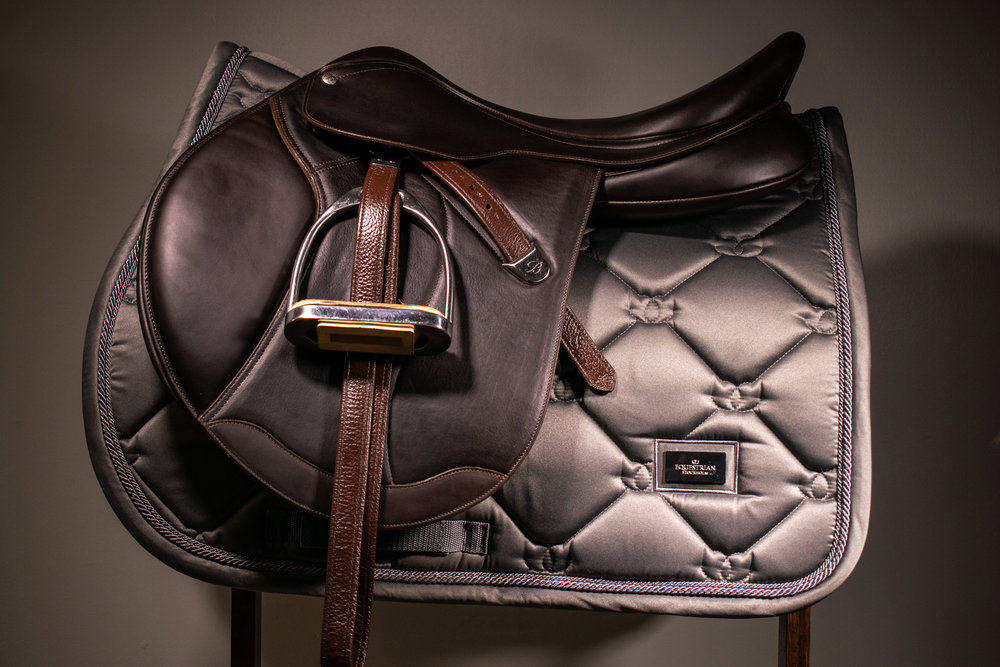Equestrian Stockholm jumping saddle pad in steel grey