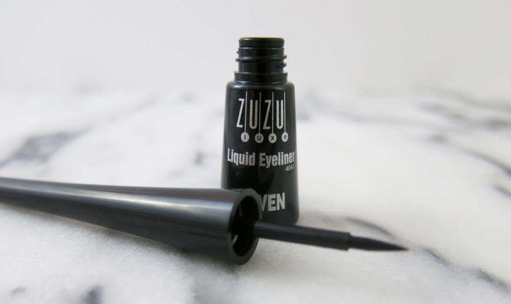 Zuzu-Eyeliner-2.jpg