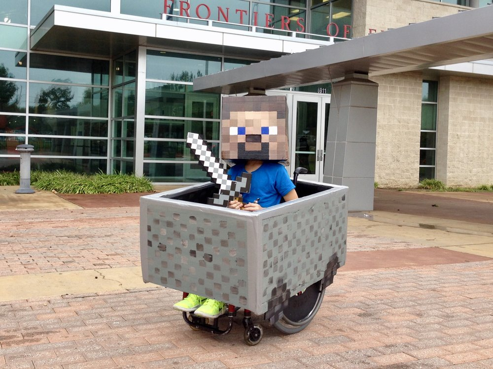 """Minecraft Steve in Minecart"""