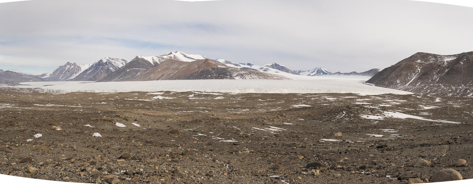The massive Commonwealth Glacier.
