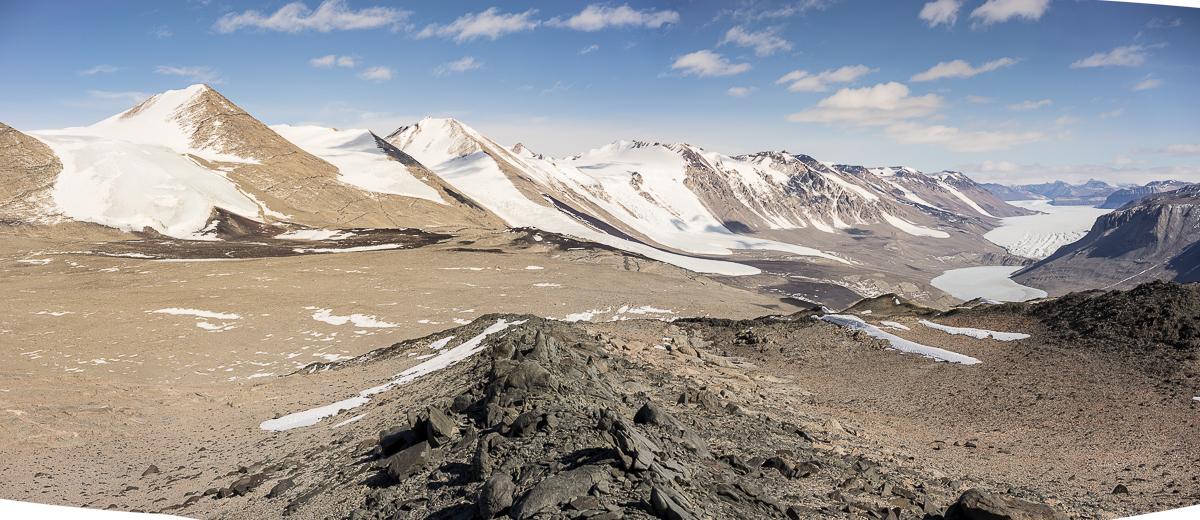 View of Kukri Hills from Nussbaum Riegel.