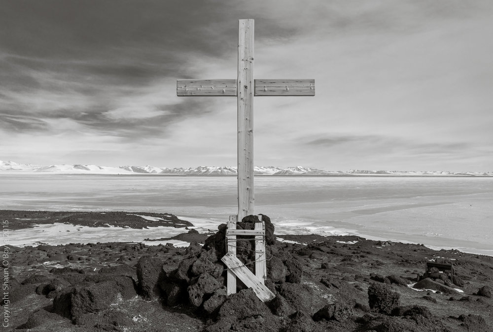 Cross at Cape Evans commemorating the three members of Shackleton's Endurance Expedition Ross Sea Party who were lost near Cape Evans in 1916.