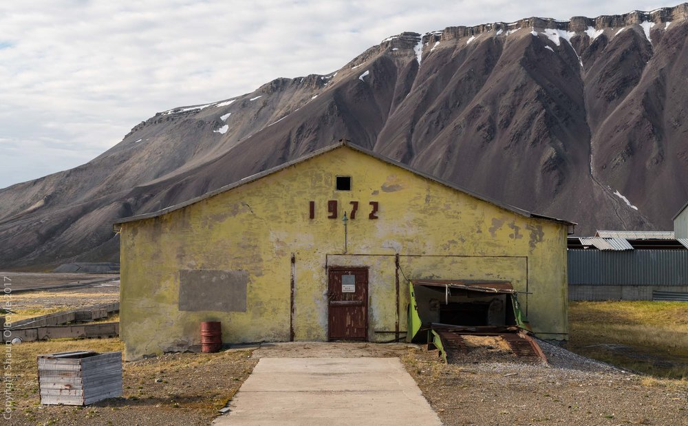 Farm building, 1972 seems to have been a big year for construction in Pyramiden, many buildings are marked with that year.