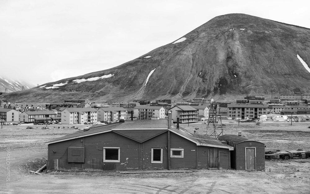 Longyearbyen and Sukkertoppen Mountain