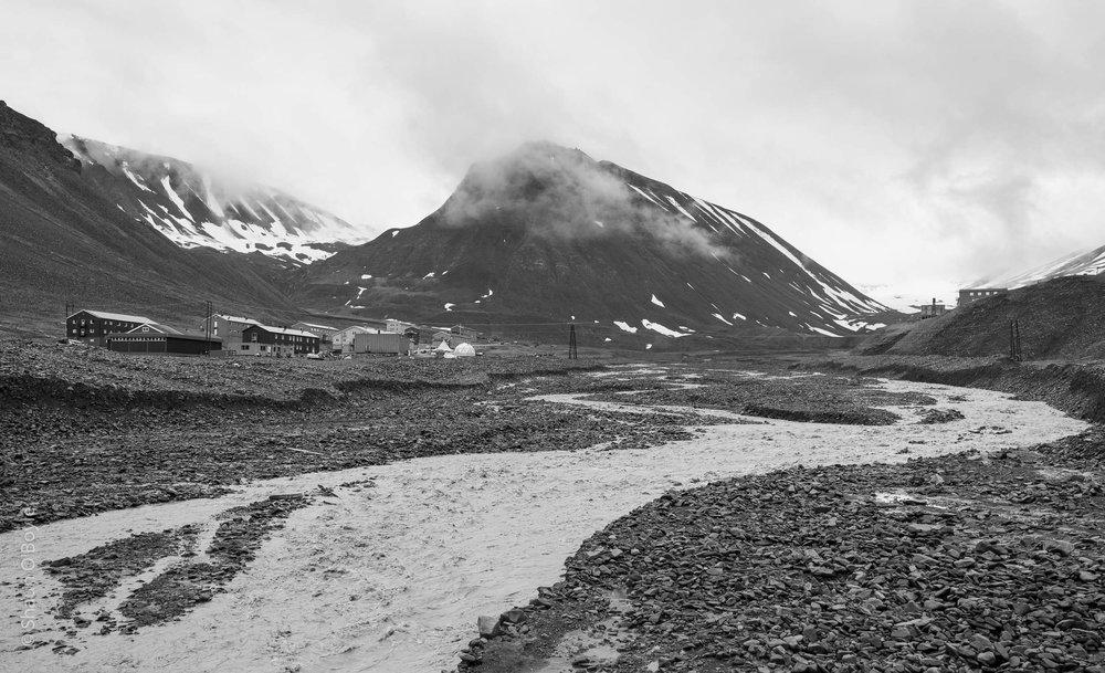 Nybyen and Sarkofagan Mountain