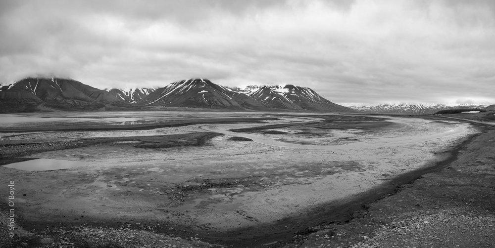 Low tide where Adventfjorden meets Adventdalen